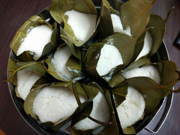 Khotto(Idlis baked using jackfruit leaves